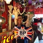 Hello Friday!!! Final de semana chegando, perfeito para visitar as feirinhas de Portobello e Golborne Markets.  Weekend approaching, perfect to visit Portobello and Golborne Markets. #floresemnottinghill #nottinghill #portobello #portobelloroad #portobellomarket #150pogo #vintage #antiques #beautiful #bestoflondon #londontips #ilovelondon #thisislondon #london