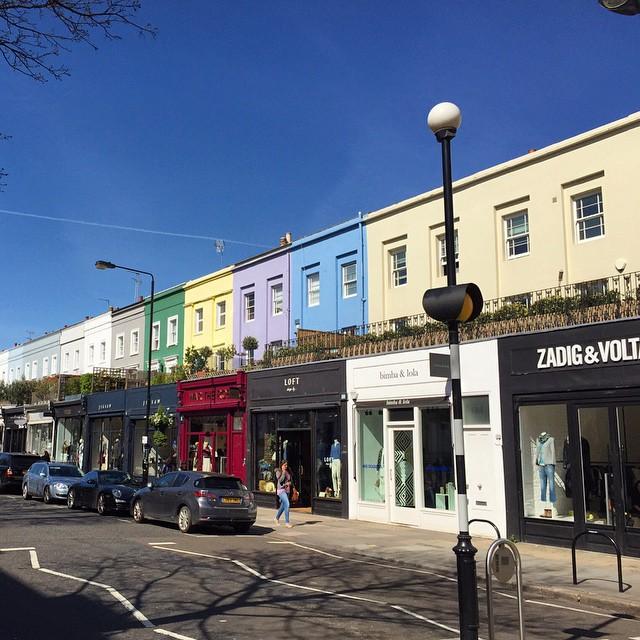 Minha rua favorita de Londres. Perfeita para um dia de compras e cheia de restaurantes e cafés para um break. My favourite street in London. Perfect for shopping and full of options of restaurants and cafes #floresemnottinghill #nottinghill #westbournegrove #westbourne #shopping #bestoflondon #ilovelondon #londontips #london