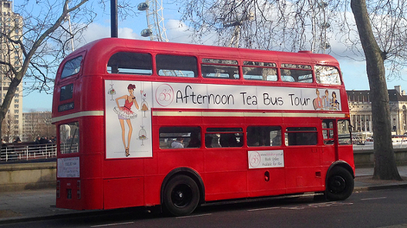 FloresemNottingHill_AfternoonTeaBus