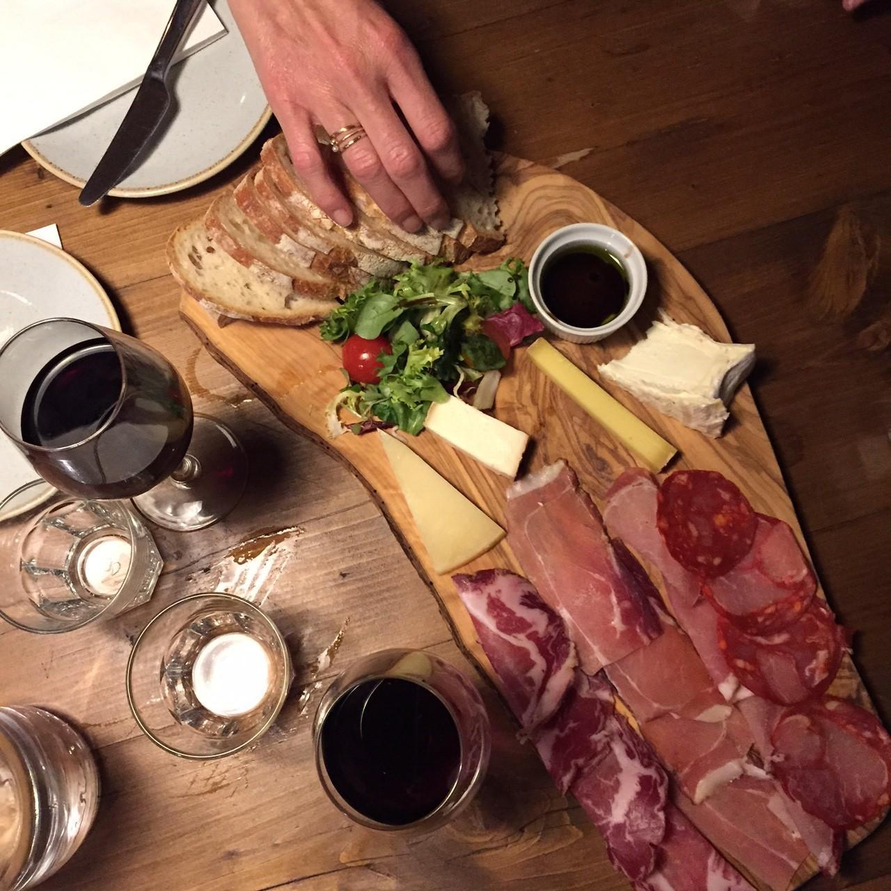 Vagabond Wine Bar. Um Jeito Gostoso E Divertido De